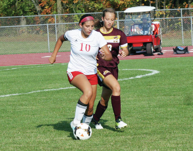 Wauseon's Jaydelin Vasvery handles the ball in a game against Kalida Thursday. The Indians fell to the Wildcats, 3-0.