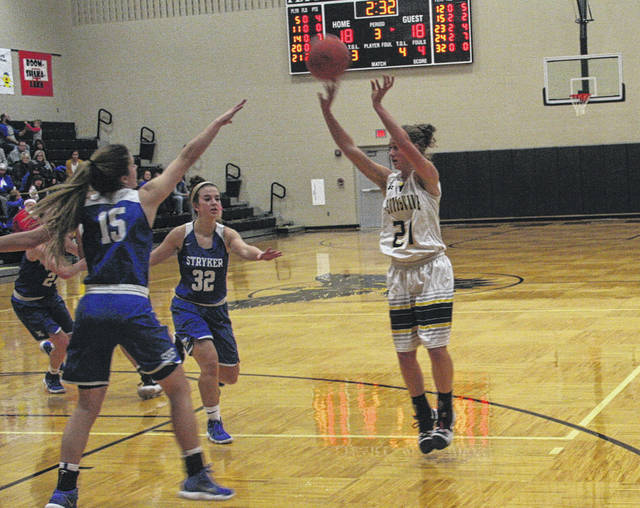 Elizabeth Beck of Pettisville buries an open jumper Tuesday versus Stryker in Buckeye Border Conference play. The Blackbirds would fall to the Panthers 31-30.