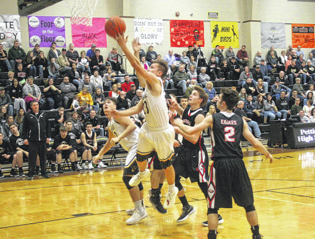 Canidate Vickery scores for Pettisville Friday against North Central. The Blackbirds clinched the Buckeye Border Conference title outright after the 19-point win over the Eagles.
