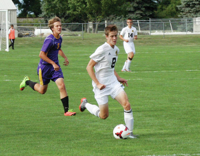 Detric Yoder of Pettisville works the ball upfield in a contest last season. He is back for the Blackbirds after being named first team all-district a season ago.
